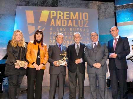 Premio de la Junta de Andalucía a Santa Otilia por VeoBien, proyecto de acción solidaria.