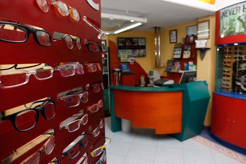 instalaciones-optica-santa-otilia-huelva-091